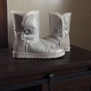 Rare Ugg I Do Bailey Button Boots